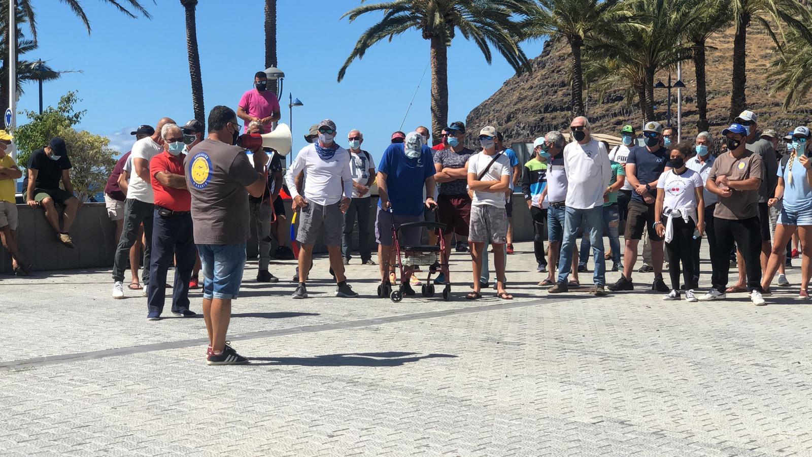 Concentración de los pescadores recreativos el 9 de Mayo en la Isla de la Gomera, en contra del Real Decreto.