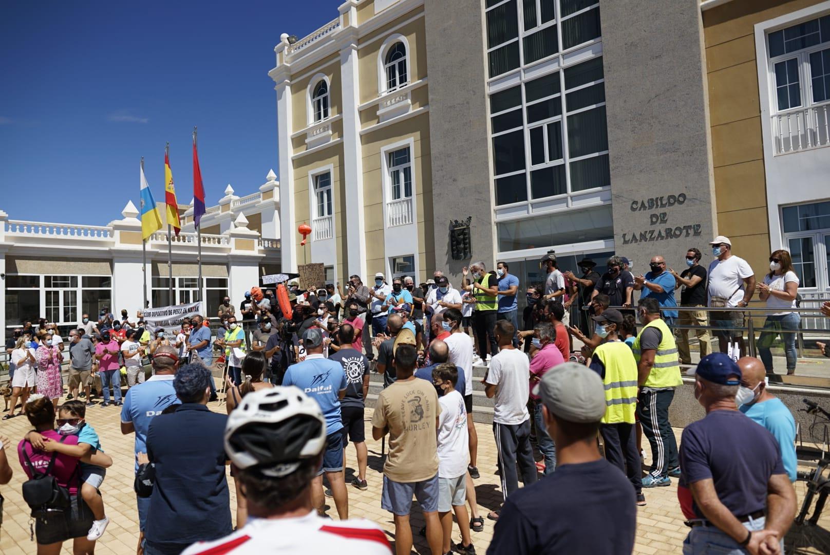 Concentración de los pescadores recreativos el 9 de Mayo en la Isla de Lanzarote, en contra del Real Decreto.