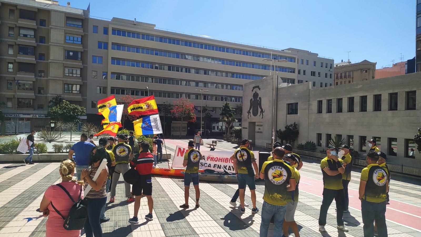 Concentración de los pescadores recreativos el 9 de Mayo en la ciudad de Las Palmas, en contra del Real Decreto.