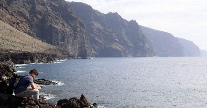 El Gobierno del Estado respalda la reserva marina de Teno
